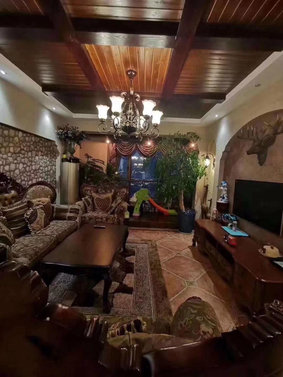 山台山洋房3室 2厅 2卫108万元