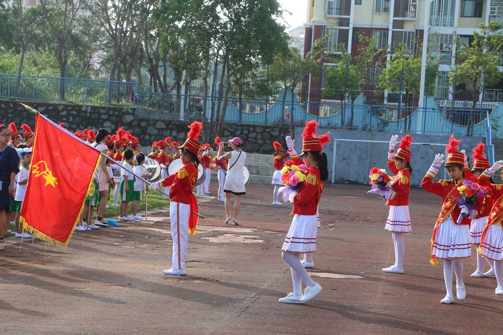 琼海市实验小学一年级新生加入中国少先队入队仪式掠影