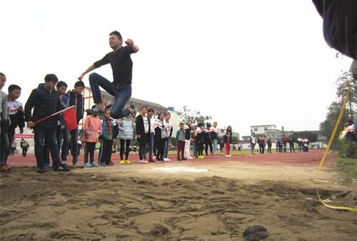 广汉市松林学校:丘区文化体育节,育人育心育未来(图片)