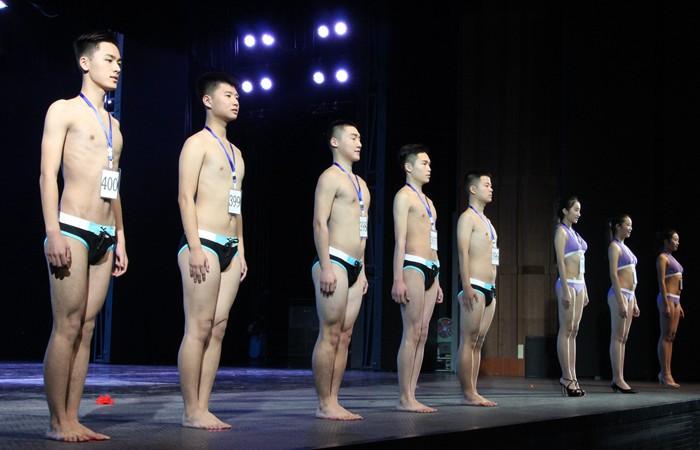 山东艺考模特空乘推介会,各地750多名模特及空乘专业考生齐聚泰山脚下