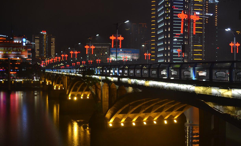 小安溪很美,我在南门桥,冬至那天雨很大!