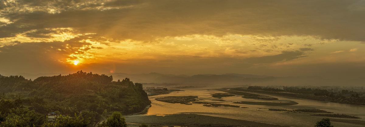 二道岩夕阳、双龙锁青衣、西天喷虹、周柏日出――王培恩