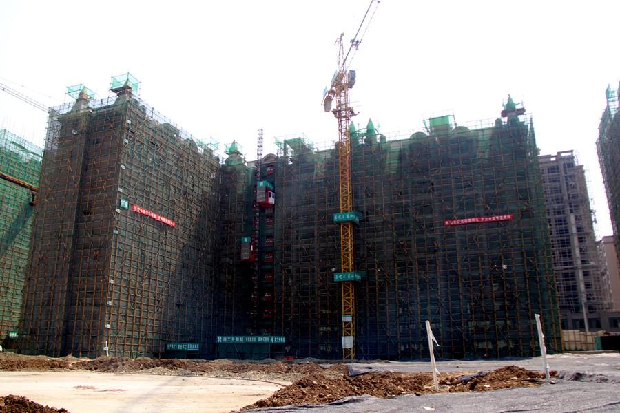 金雁・欧城联邦工程进度实拍(2017年4月),一期主体基本进入收尾阶段