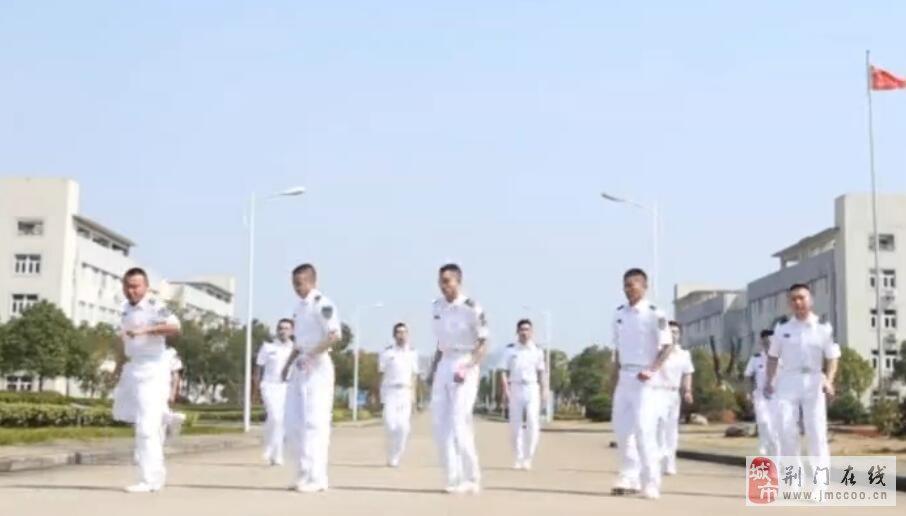 空军《Seve》没看够?海军《Faded》鬼步又来了