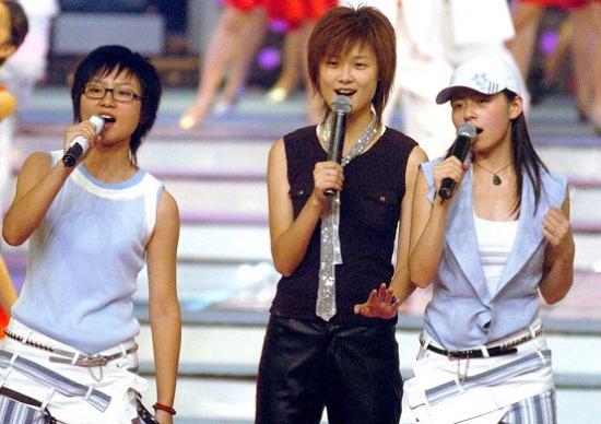 《超女》李宇春张靓颖时隔12年或首次同台献唱