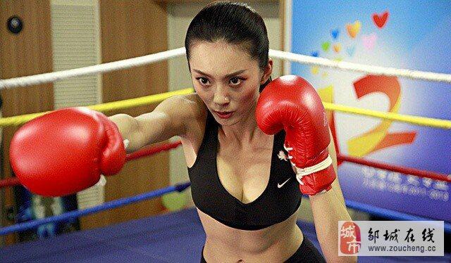 据说学搏击的女生打起来比男生都厉害!!
