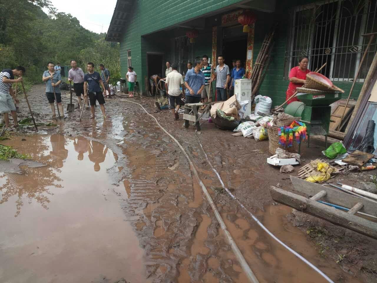 华头、麻柳、歇马洪水告急灾情重 干群合力抗洪灾