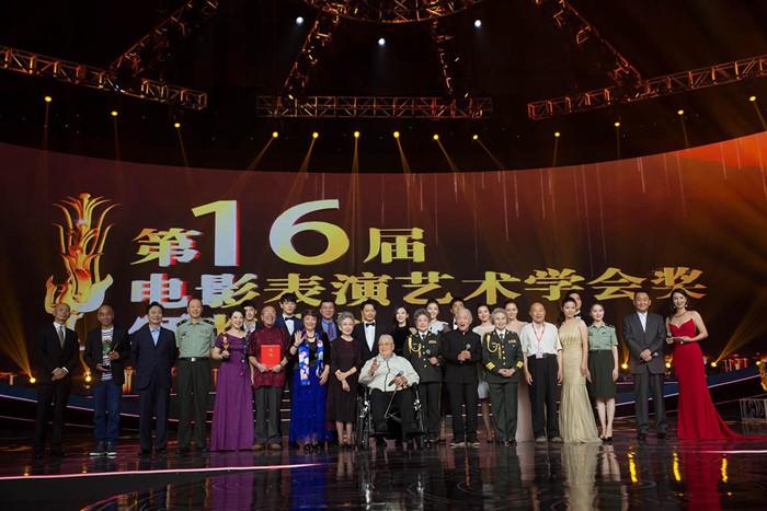 9月3日,杨子姗获电影表演学会奖,演技再受业界肯定,可谓是实至名归