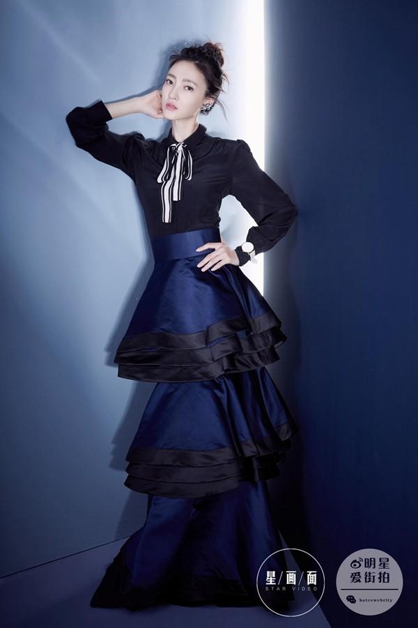 近日,王丽坤最新时尚大片曝光,气质高贵,她有着舞蹈人的高雅气质
