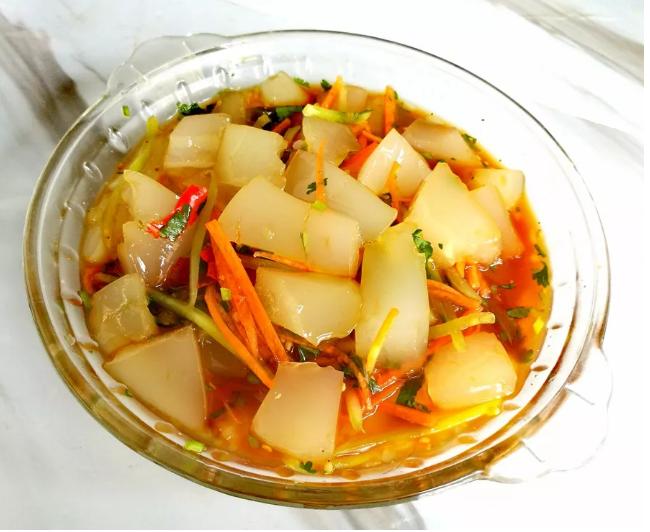 景东冬季专享美食满满胶原蛋白——猪皮冻