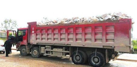 四货车未密闭运输被查获均面临受罚3000元至1万元