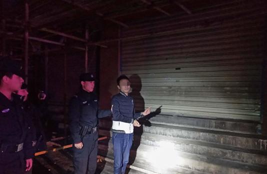 夜幕追踪,民警一个半小时抓获劫匪
