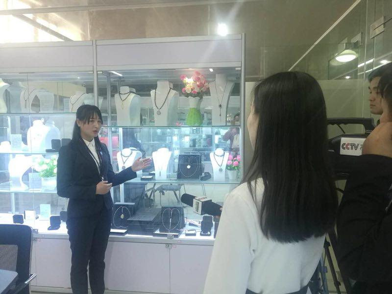 热烈庆祝上海菱量纳米科技有限公司接受央视采访
