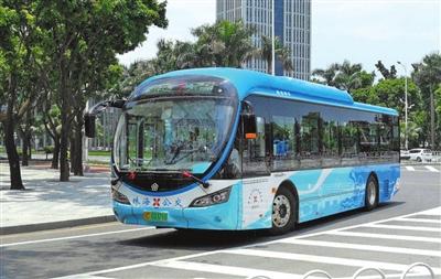 """珠海市政府""""大力发展公交事业""""说到做到 市民刷手机坐上环保公交"""