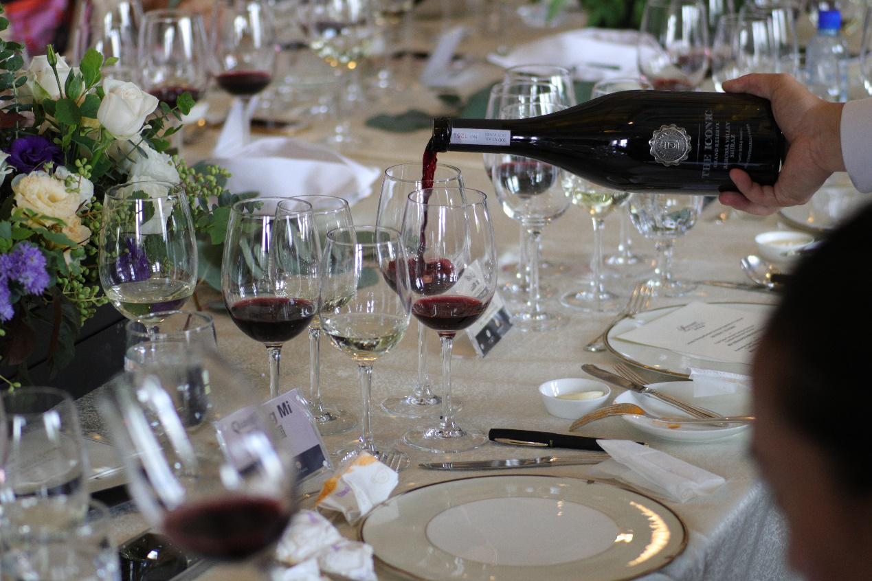 澳洲百年古藤葡萄酒,亮相百年历史上海滩