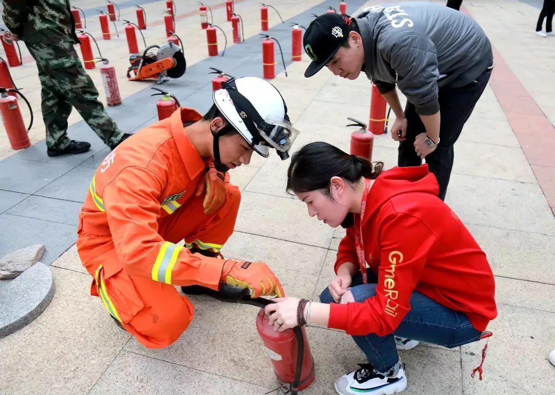 """我市举行""""119全民消防宣传月""""启动仪式"""