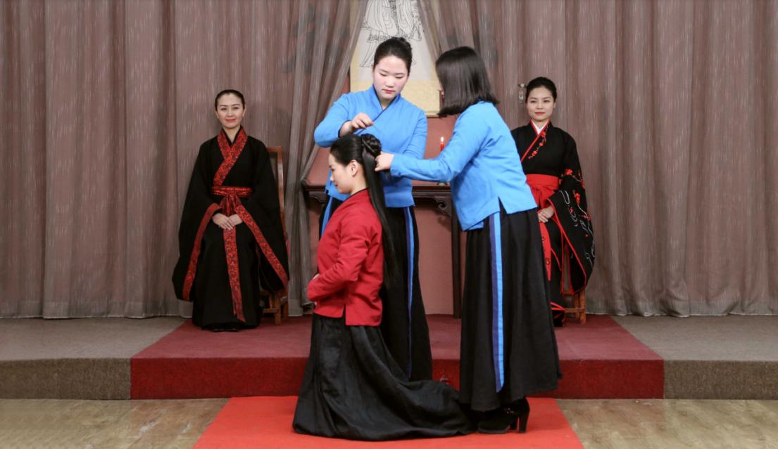 风尚圈实景呈现中华女子成人礼