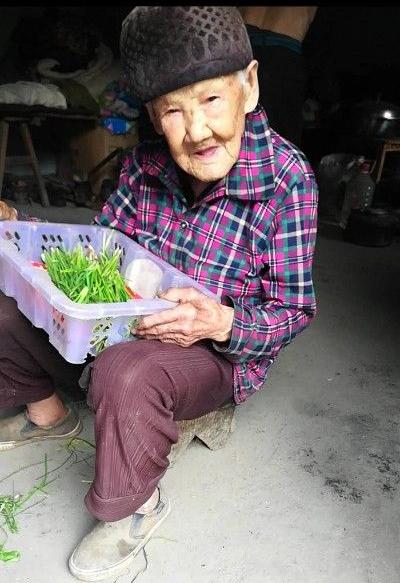 寻访汉中百岁老人|101岁老人掰竹笋拾柴禾样样都干