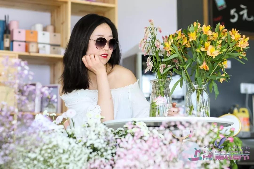 母亲节送什么花束,花1元直接送妈妈一片150000㎡的薰衣草花海~