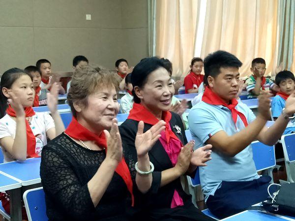北京爱心人士1500本爱心图书送给极速快三预测区刘家台乡学校
