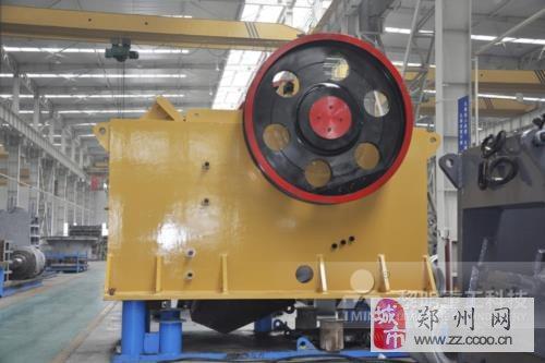 铁路基建项目中颚式破碎机使用