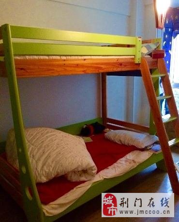 出售9成新香丽榭实木儿童高低床