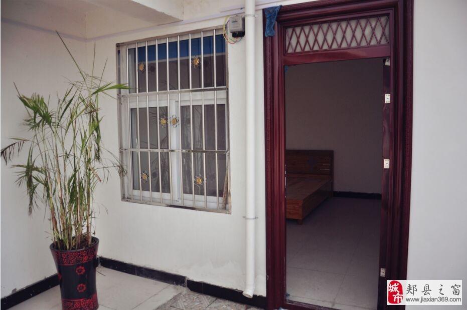 东街公寓,特价房100元每月(数量有限,先到先得)