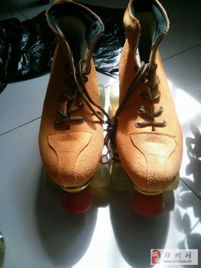 双排溜冰鞋