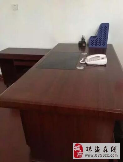 出售一米八长的办公桌
