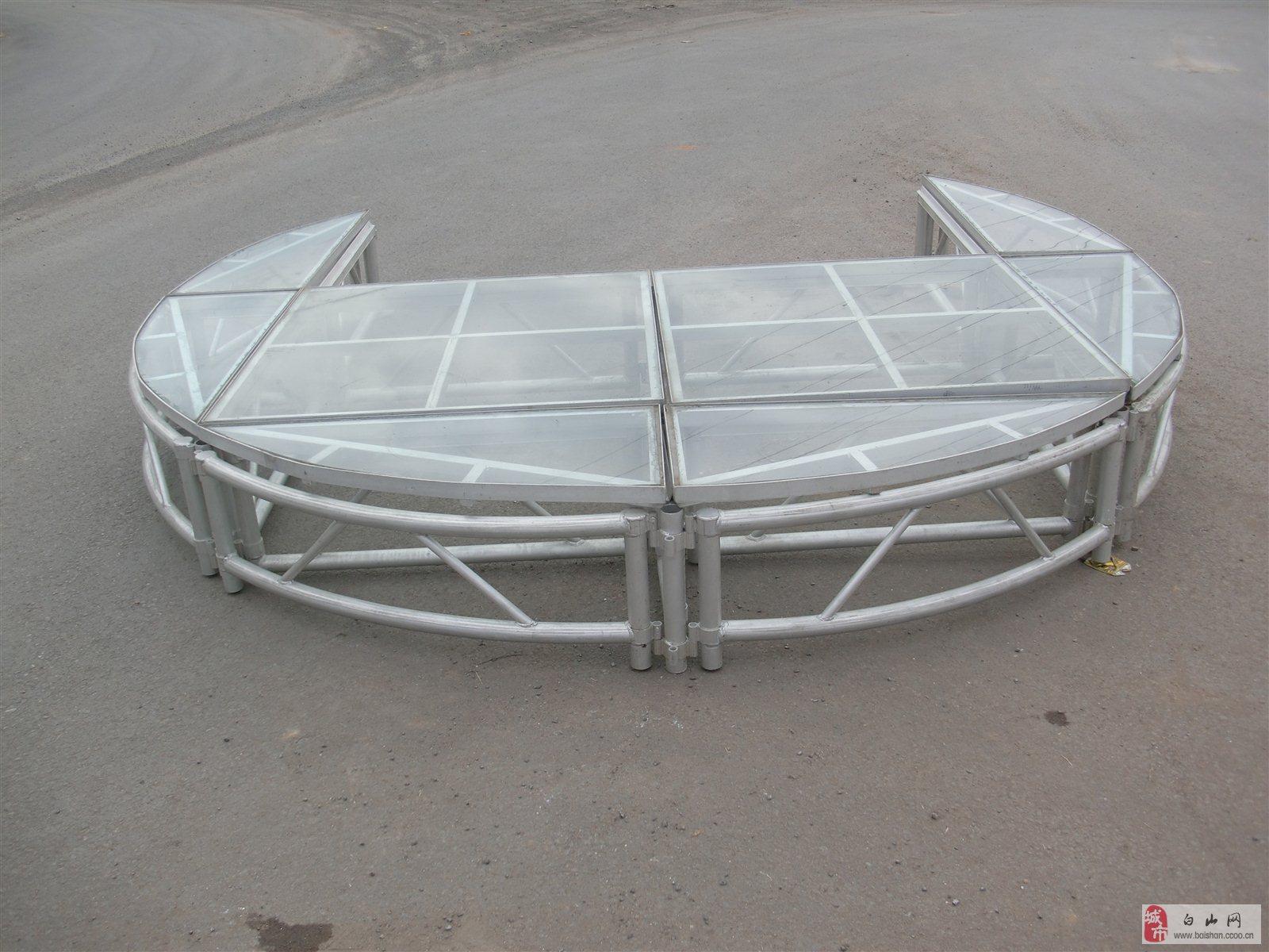 转让一套玻璃铝合舞台,出租也可以5000元一个展期