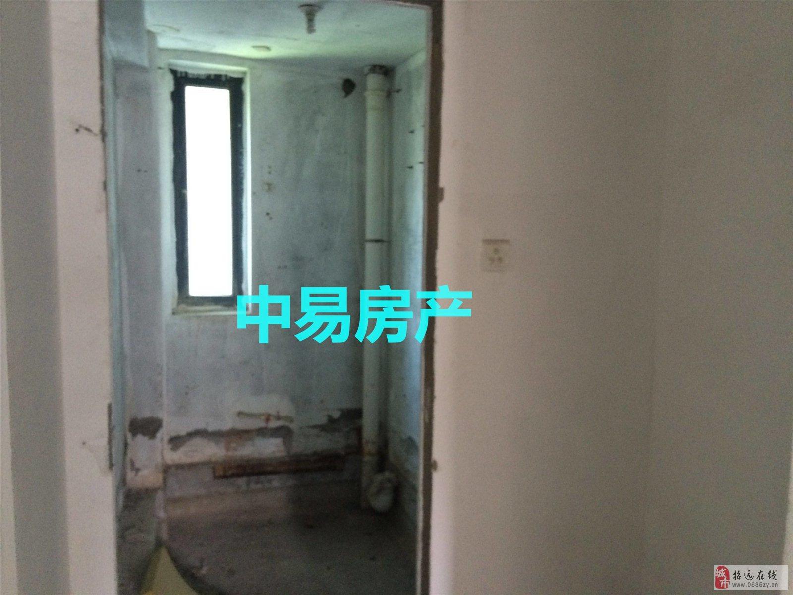 2537招远出售龙泉花园2楼132平带草屋66.5万元