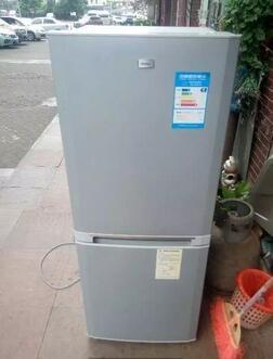 海尔166升双门冰箱。全自动洗衣机