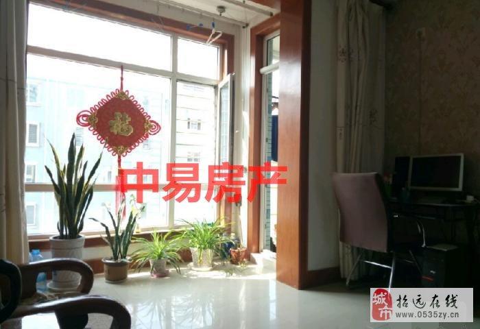 2577招远出售丽湖一期3楼83平米带家具家电49.6万元