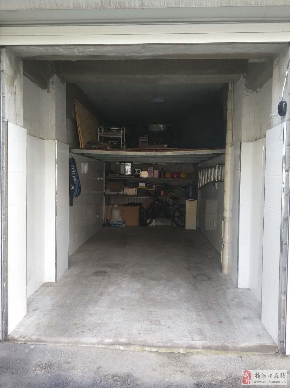 房產首頁 房屋出售 >> 出售信息  出售江南明珠a2號樓7號車庫,位置在