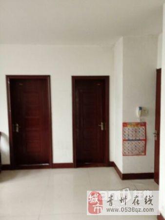 九州名座3室1厅1卫1300元/月带家电中装年付
