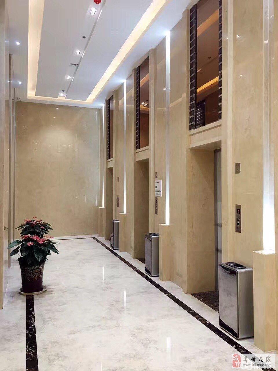 泰华大厦精装15楼1室1厅1卫1500元/月