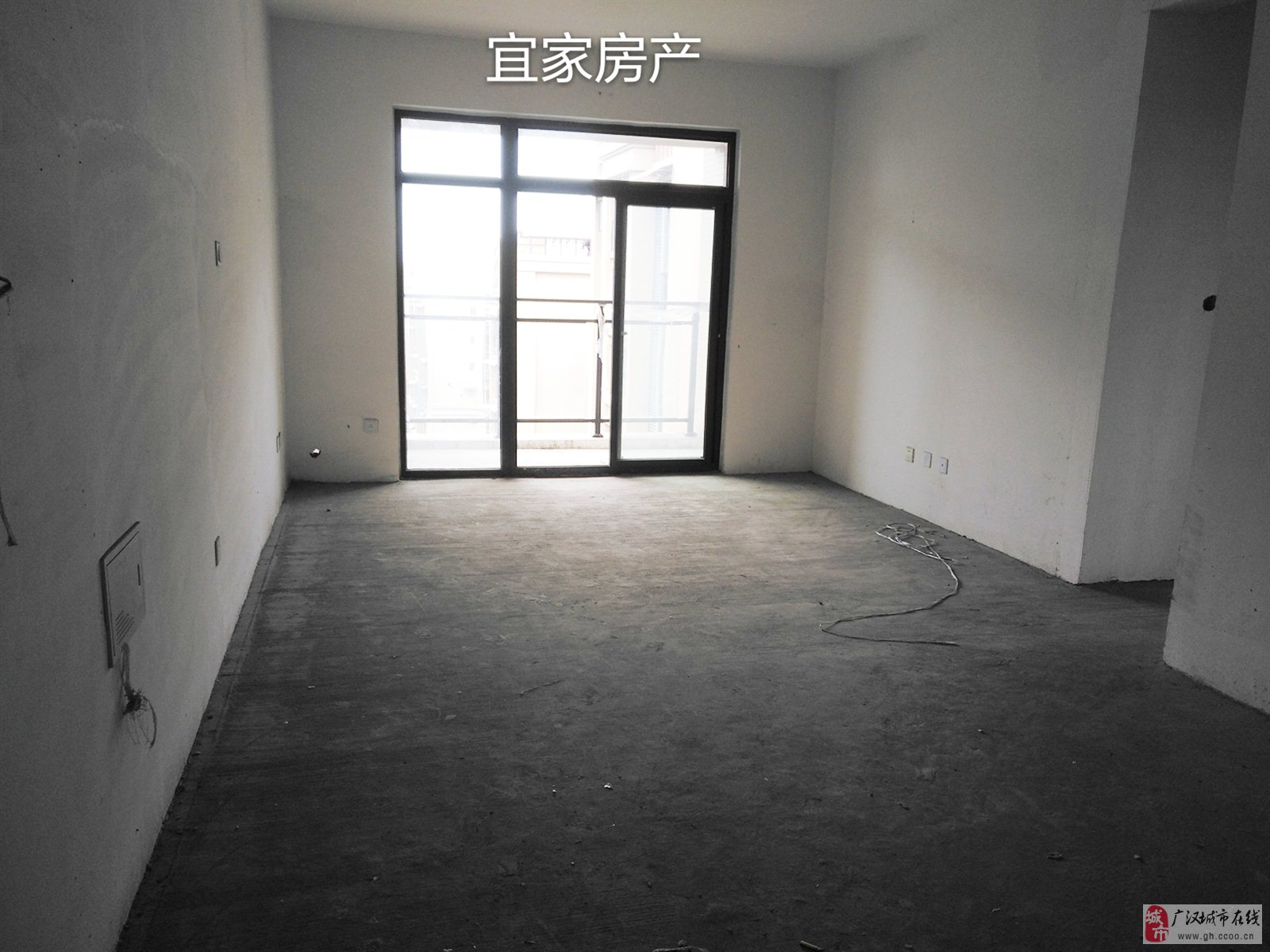 香港花园电梯高层3套2双卫清水房出售