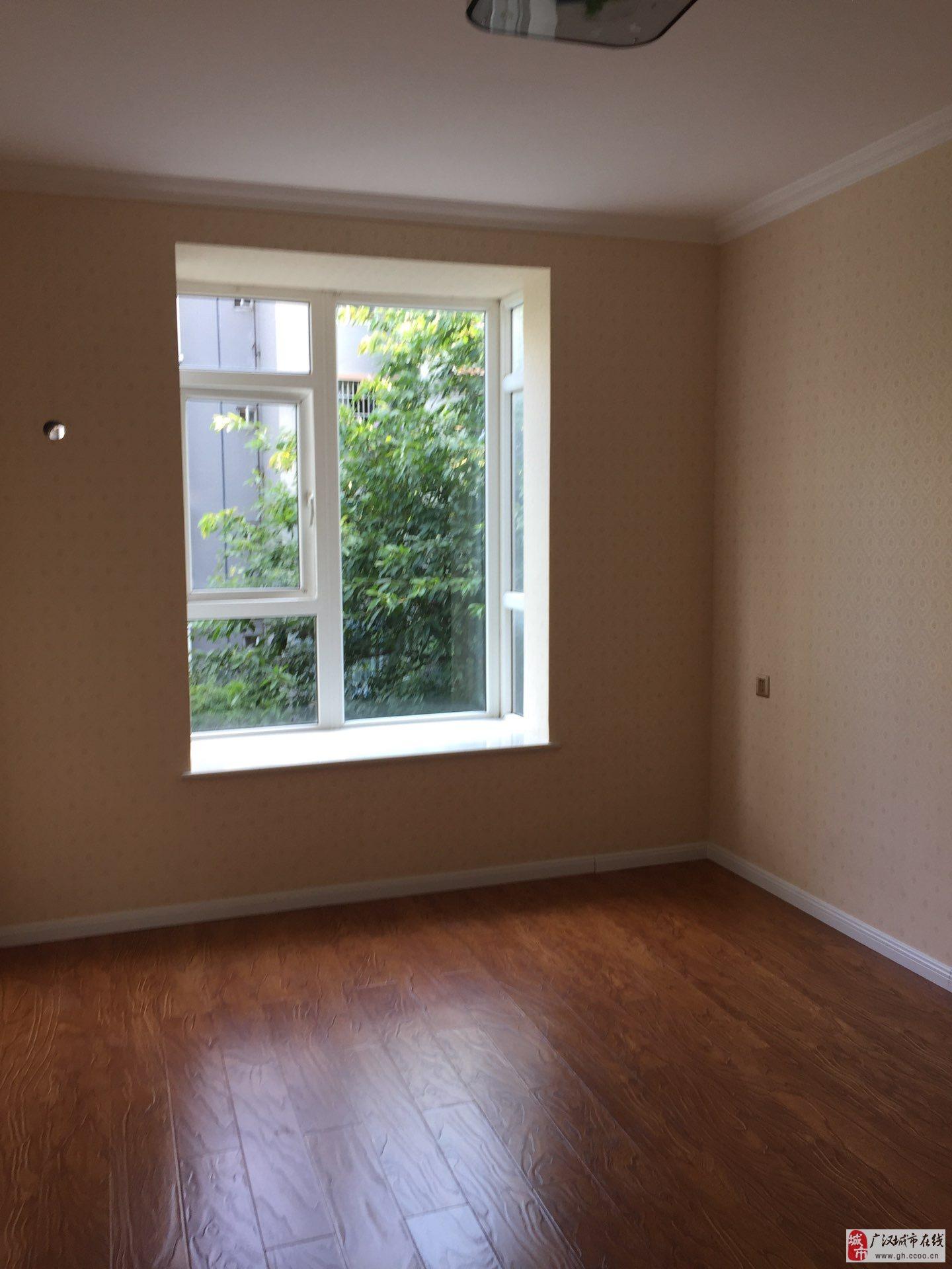 B303景苑3楼2室2厅1精装修