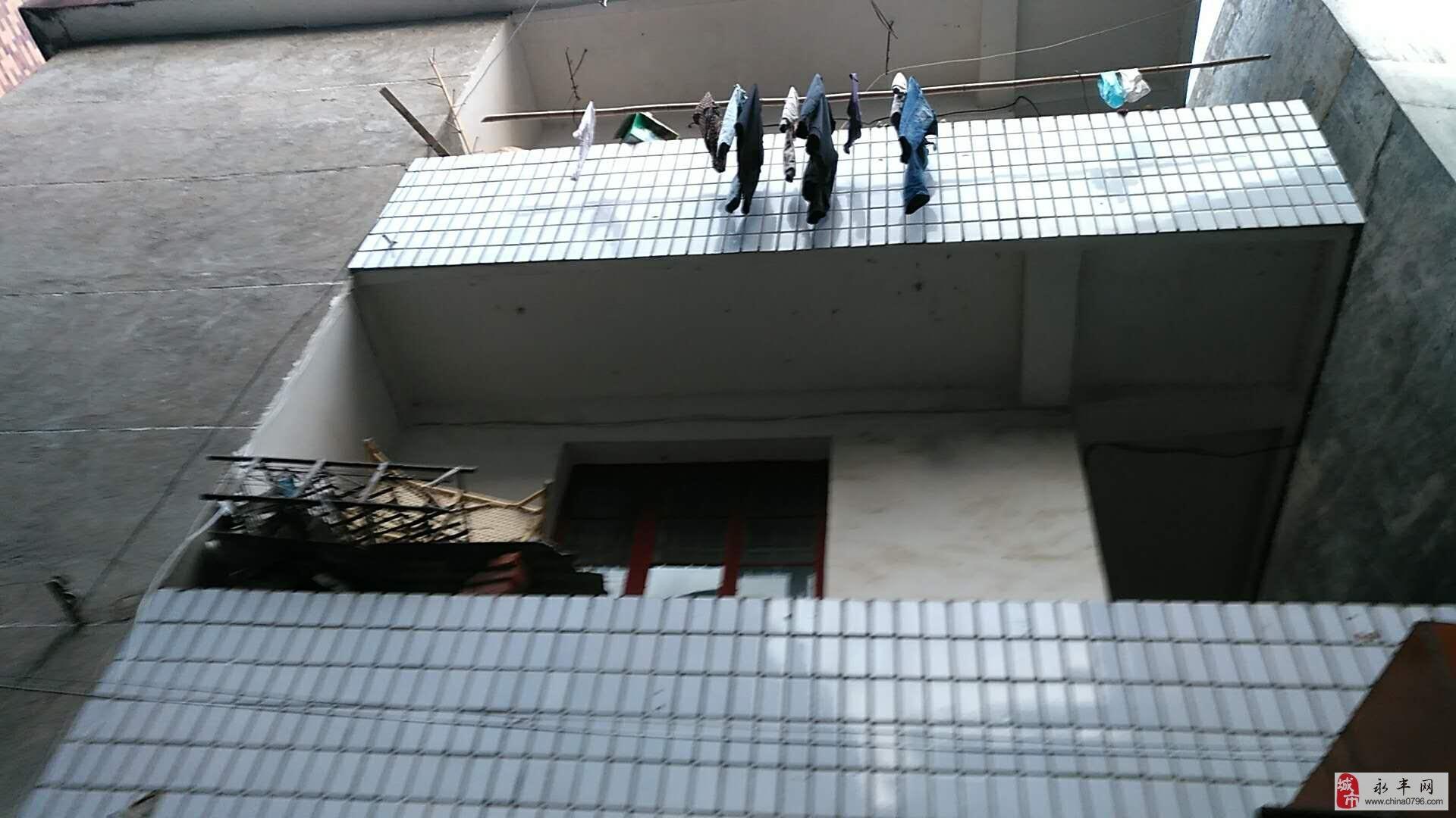 傅家坝三层半房屋出售180万元