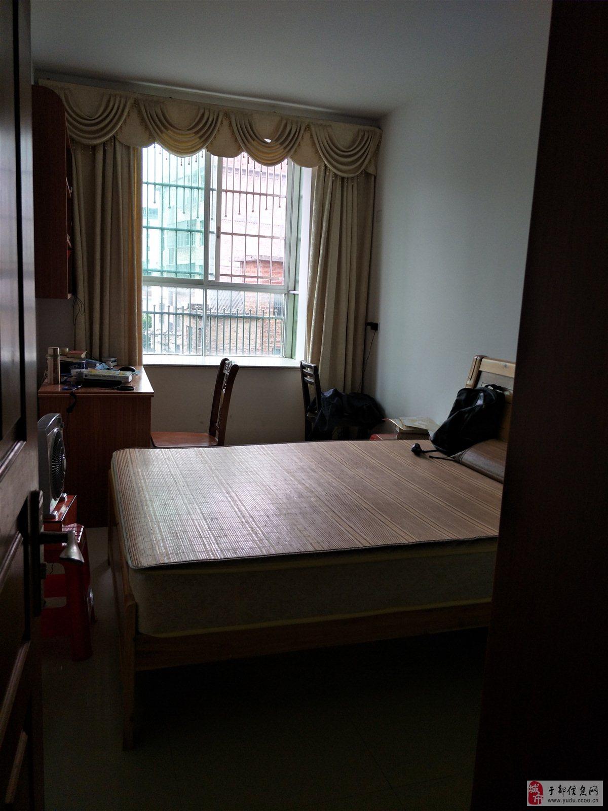乐都建材市场3室2厅1卫65万元