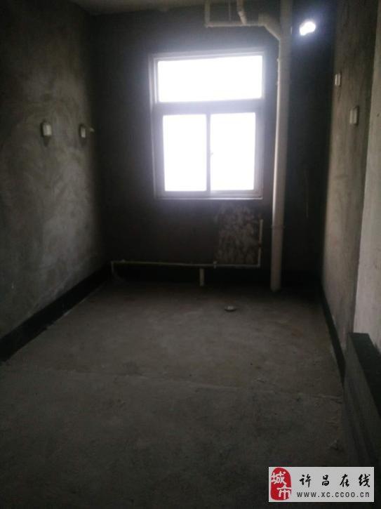 鏡湖花園3室2廳2衛72萬元