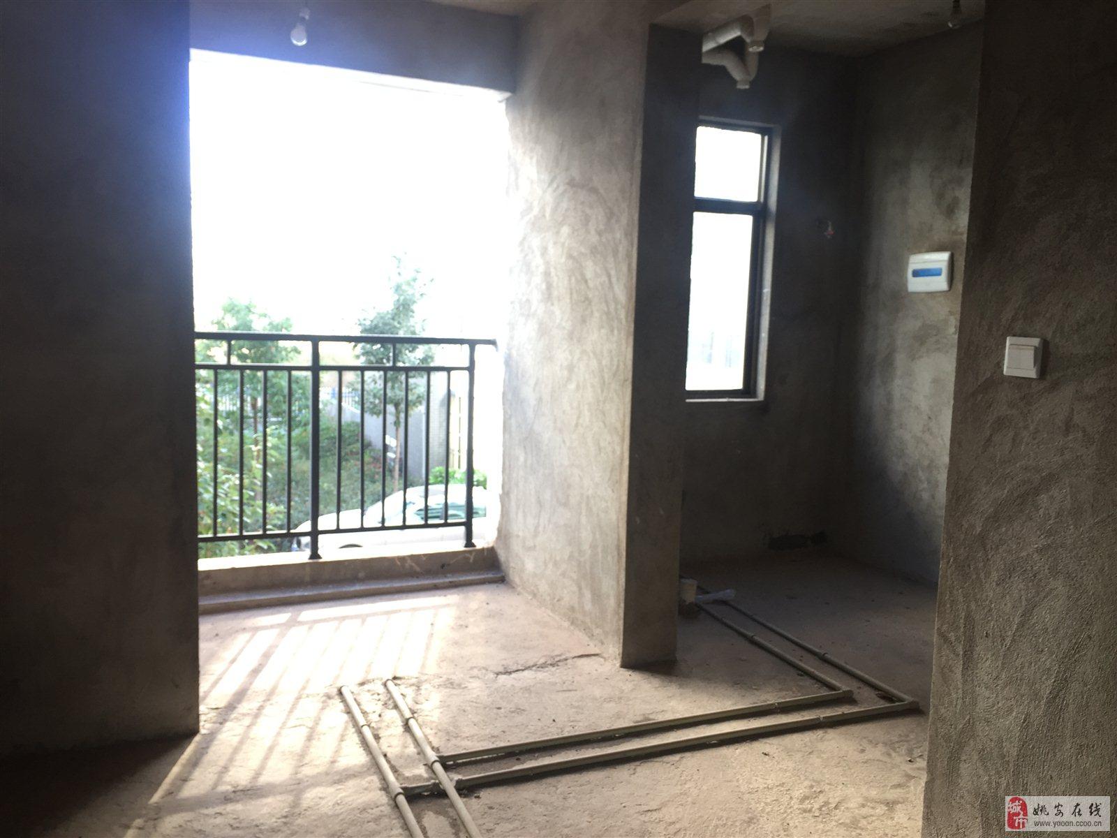 城南御景三室两厅尔卫34.8万元