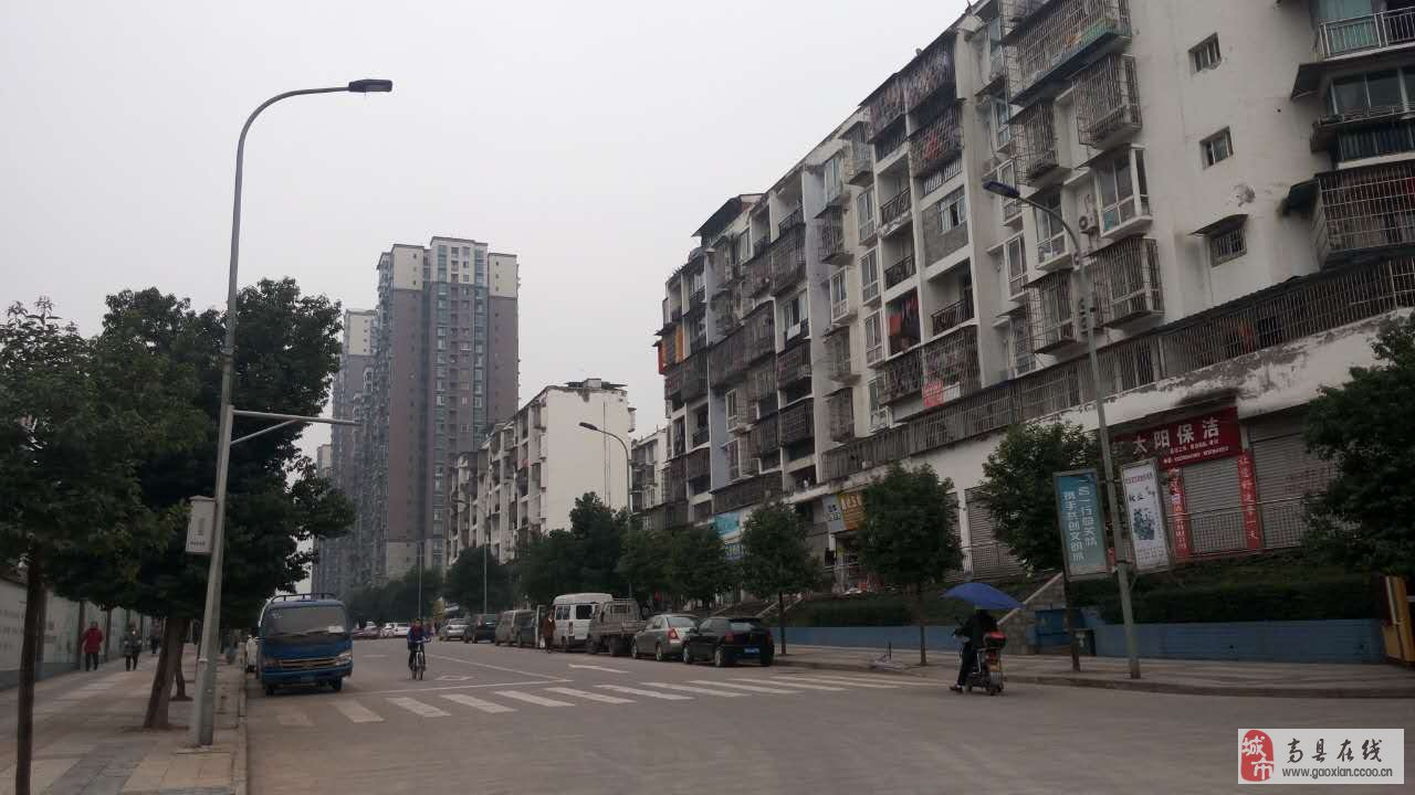 滨江东路滨江御景西面,新医院对面,东升家园底层商铺