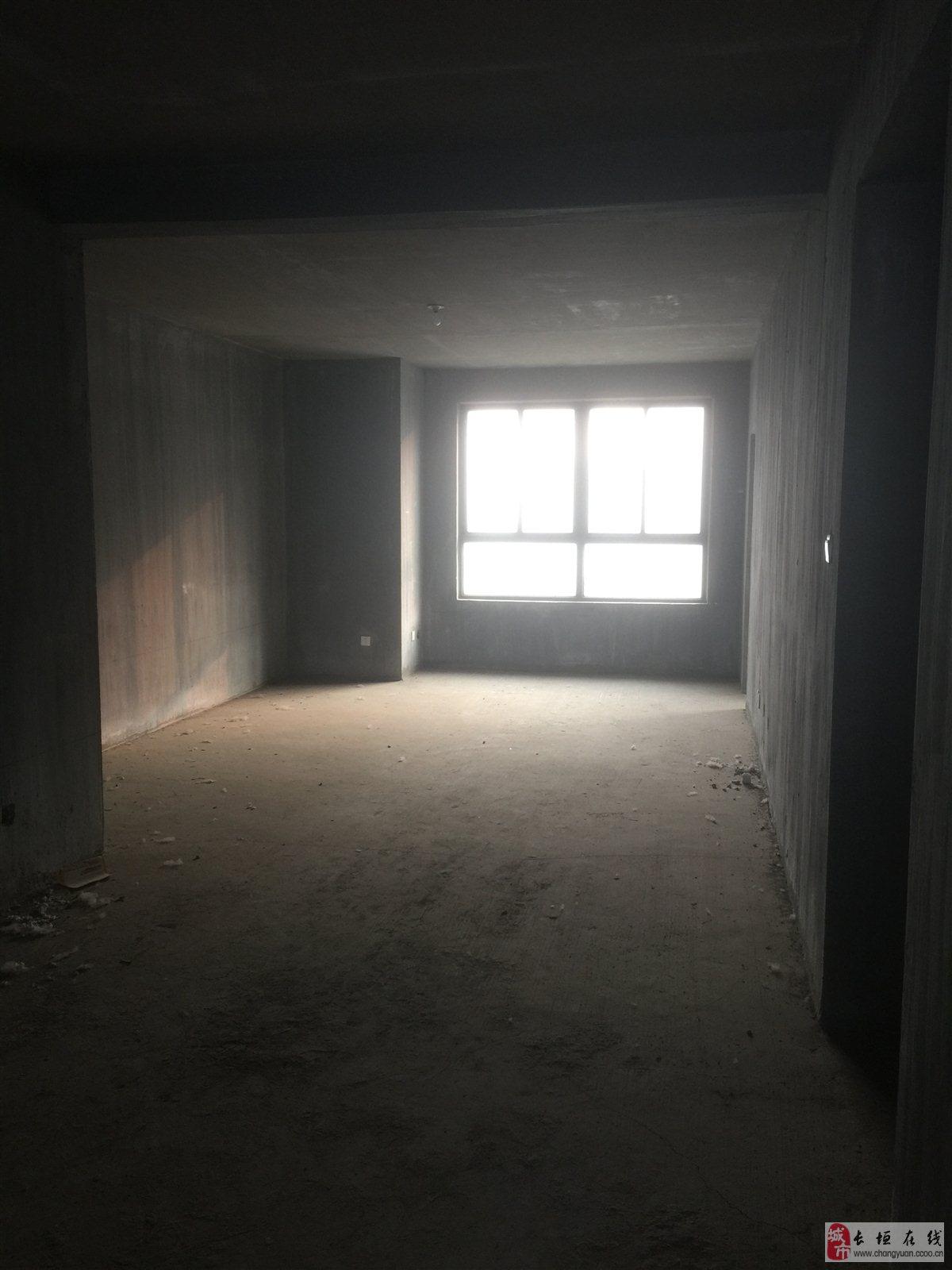出售宏瑞園小區9樓三室兩廳兩衛毛坯新房