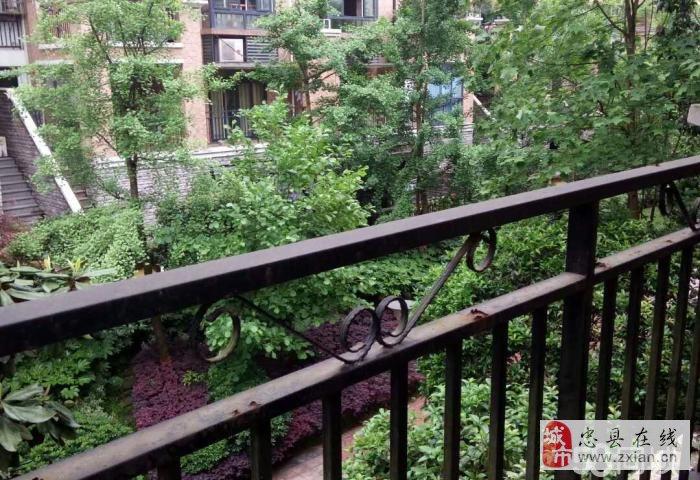 香山湖花园洋房,1楼带车位带超大露台139平米95万