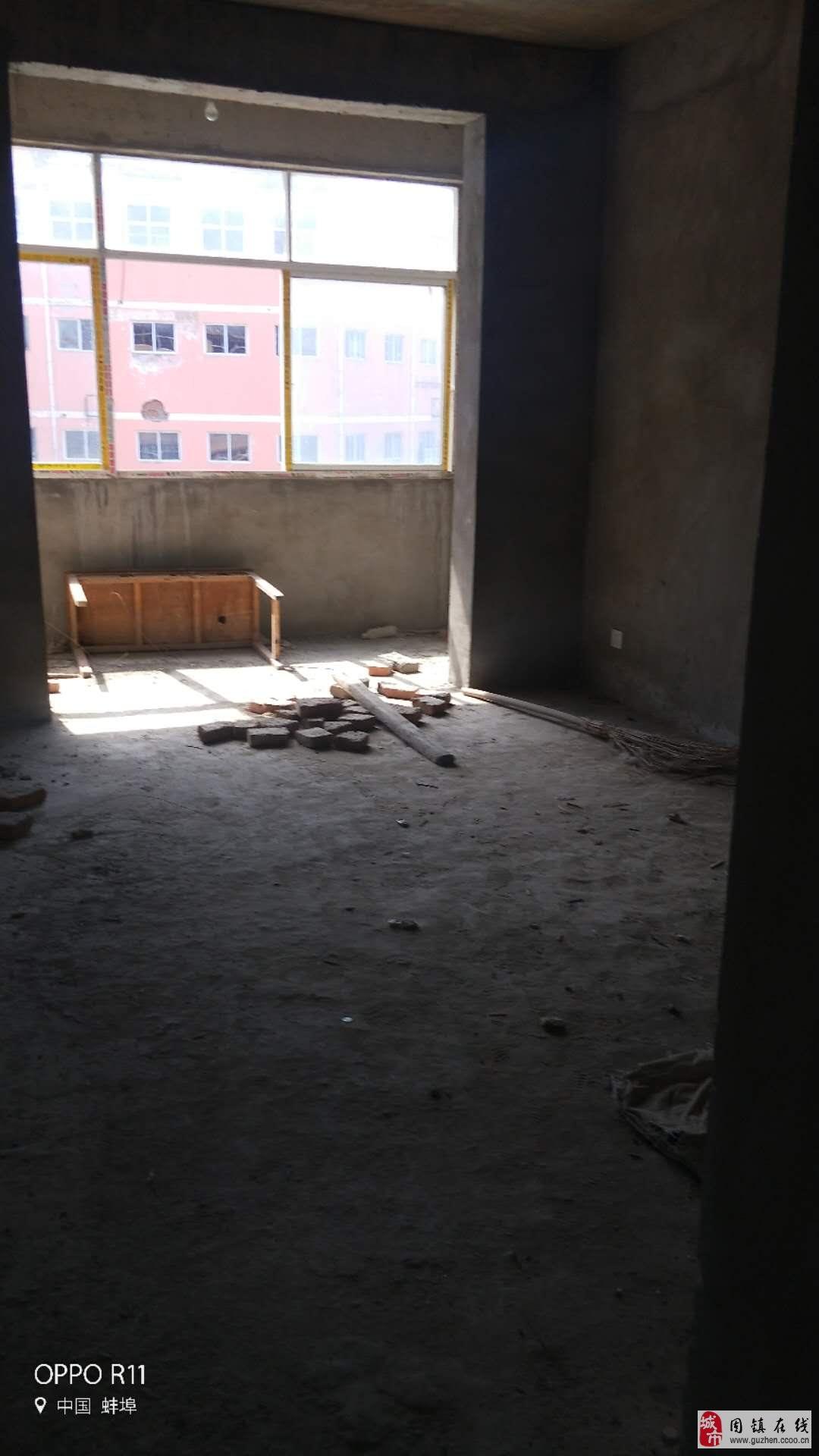 黄桥路白马商场旁毛坯3室2厅1卫25