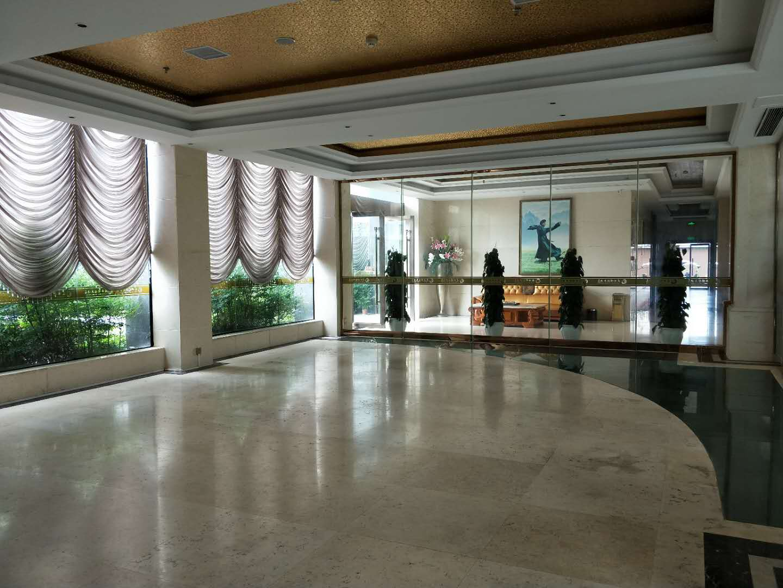 酉水明珠大酒店一楼黄金精装门面出租