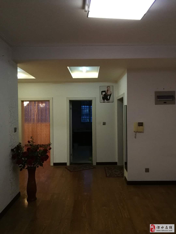 广成东方名城2室1厅1卫102万元