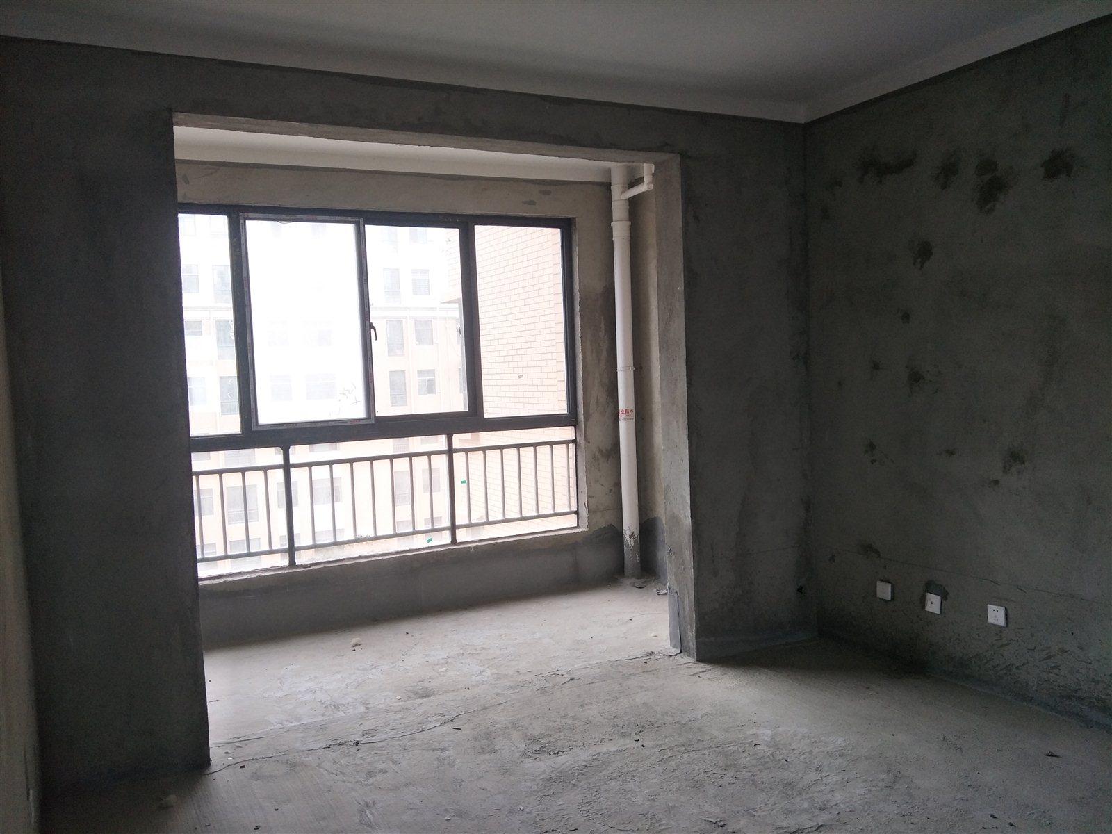 远大瑞园3室2厅2卫83万元  可分期 可分期 可分期