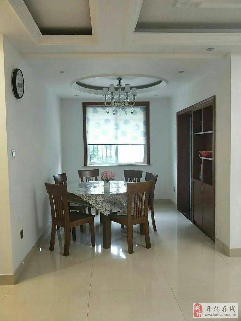 西子城121平方精装边套带车库3室2厅2卫185万元